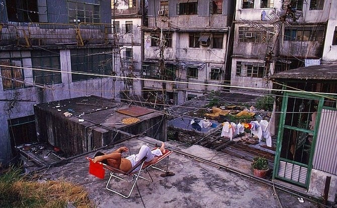 Çarpık Kentleşmenin Şatosu: Kowloon Walled City