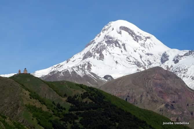 Photo of Buzdan Bir Piramit: Kazbek Dağı